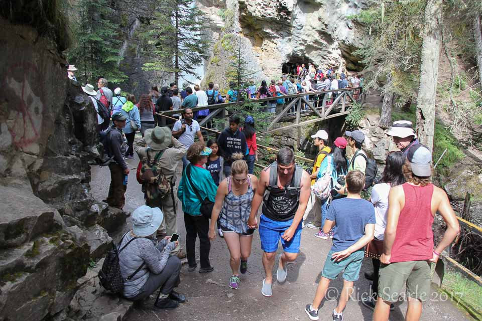 Crowds in Johnston Canyon