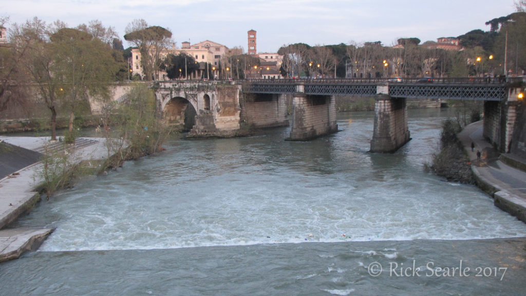Pont Palatino seen from Pont Garibaldi